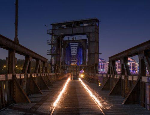 Abstrakt Lichtbrücke